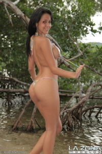 flawless-latina-with-perfect-tits-strips-at-the-lake (9)